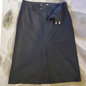 Zara Front and back cut black skirt